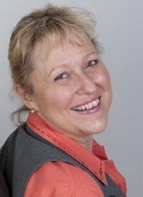 Dr. Kirsten Nazarkevicz