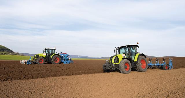 De la o idee la tractorul finalizat � o privire �n culise plin? de ac?iune a paginii web care v? prezint? procesele de proiectare, dezvoltare ?i produc?ie din cadrul CLAAS Tractor