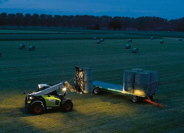 Nout??i la Agritechnica 2017 � CLAAS anun?? noul �nc?rc?tor telescopic SCORPION