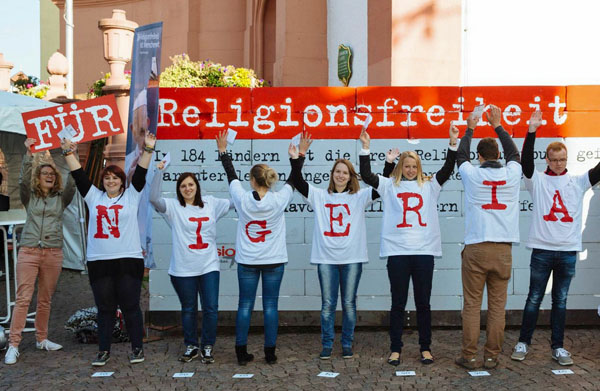 Menschenkette für Religionsfreiheit in Nigeria