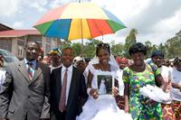 Hochzeit im Kongo zieht weite Kreise