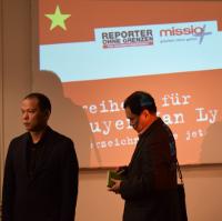 Bui Thanh Hieu (links)