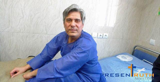 Behnam Irani im                 Krankenbett