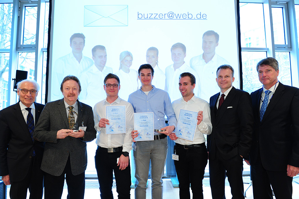 Studierende des Dualen Studienganges Betriebswirtschaft gewinnen Unikosmos Marketing Award