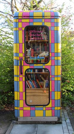 Öffentlicher Bücherschrank in Hornau
