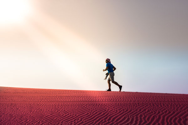 Läufer in der Wüste