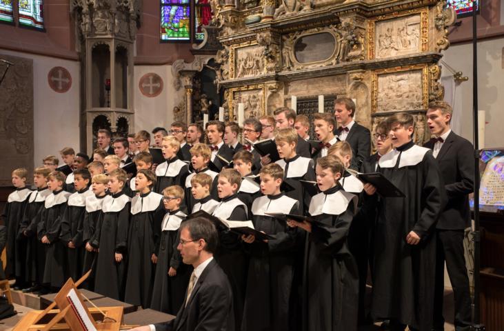 Der Knabenchor singt im Advent