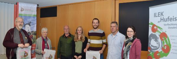 Hufeisen-Route: Erstmals Preise an Quizgewinner*innen überreicht