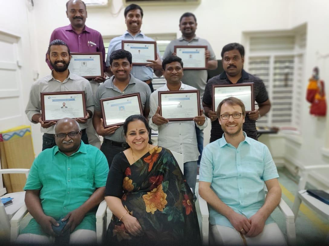 Teilnehmer und Lehrende des ersten S-DOC in Indien