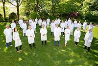 """Sie alle sind für jeweils ein Fachgebiet, teils sogar für zwei oder drei Krankheitsbilder, ausgezeichnet: Die """"Top-Mediziner 2021"""" des UKM."""