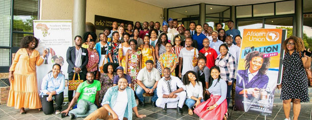 Group photo of 40 young people who participated in the Continental Summit of the Alumni Network in Johannesburg.