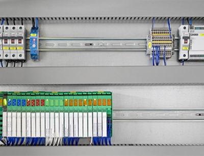 IoT-basierte Steuerungen des Typs ILC 2050 BI leiten die erfassten Daten an das Gebäudemanagement-System Emalytics weiter, Bild: Feinkost Kühlmann