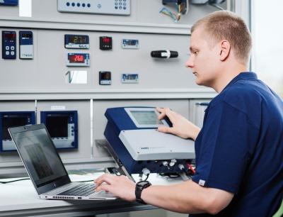 In der belgischen Jumo-Tochtergesellschaft wird hochwertige Mess- und Regeltechnik für High-Tech-Branchen hergestellt, Bild: Jumo