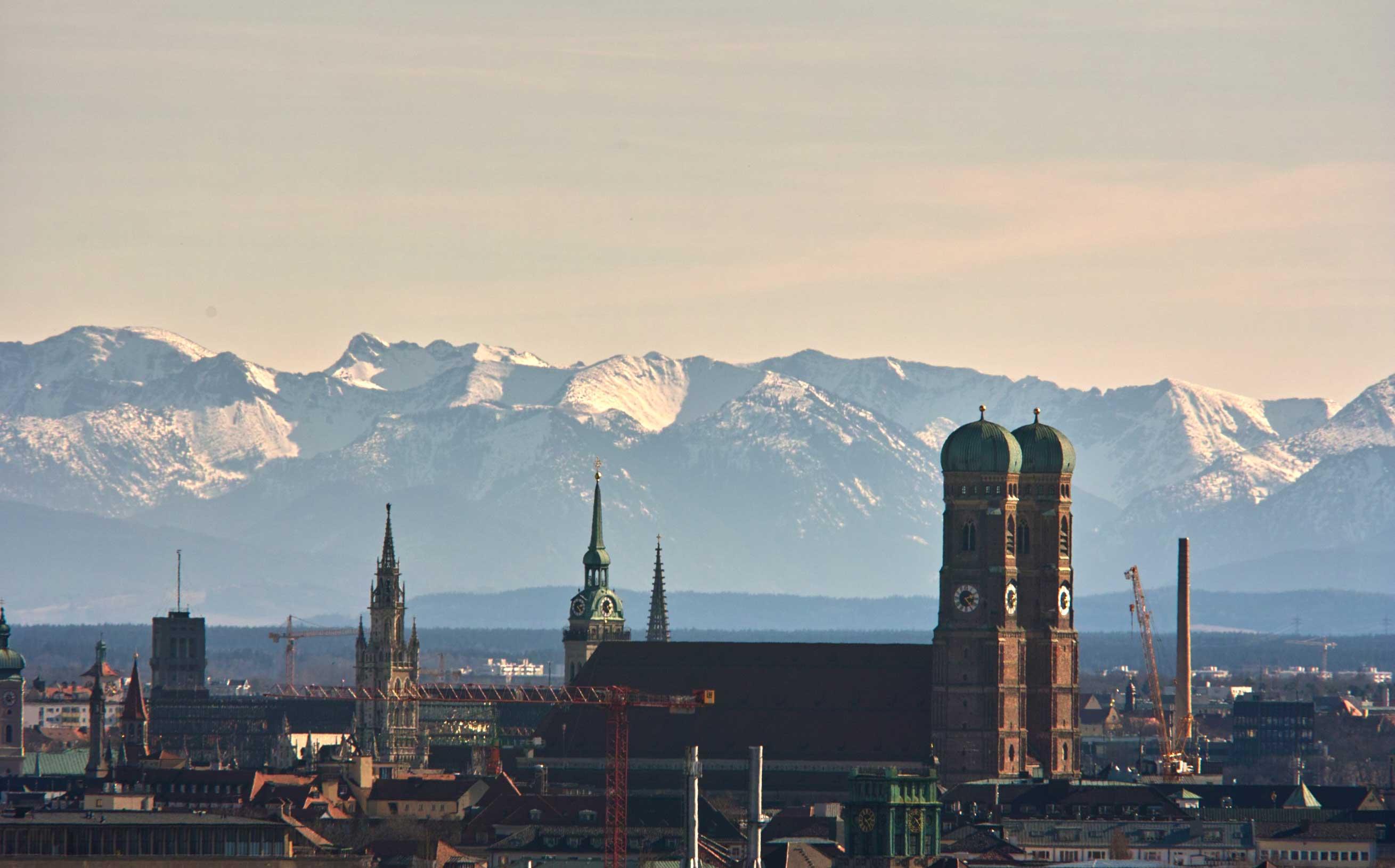 Reinald Kirchner, Frauenkirche in München, Größe, CC BY-SA 2.0