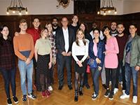 OB Jürgen Roth mit Studierenden