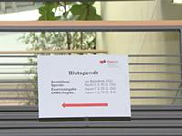 Hinweisschild zur Blutspendeaktion