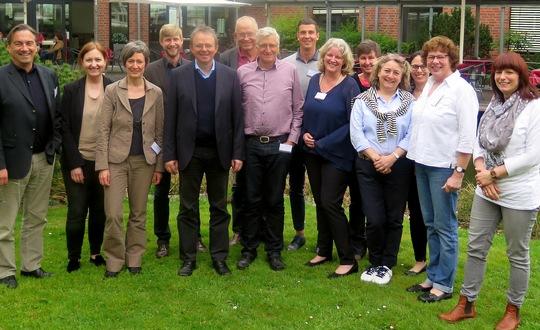 Die Landeskoordinationen zusammen mit Jens Kreuter, Geschäftsführer von Engagement Global und Mitarbeitenden. Foto: Engagement Global