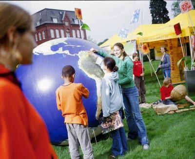 Datenbank Eine Welt Unterrichtsmaterialien. Quelle: UN Multimedia