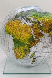 Ein Globus ist Teil der Klimakiste. Quelle: epiz.de