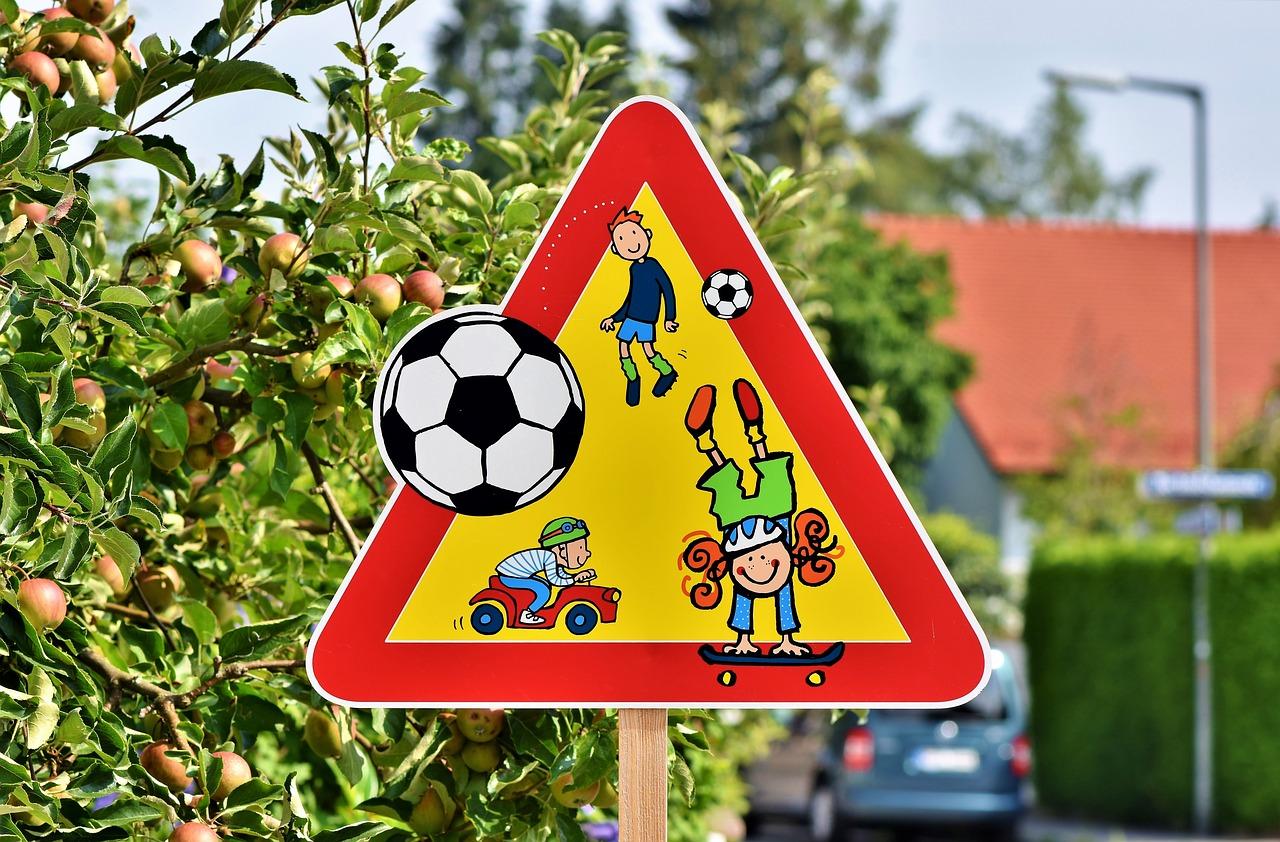 Spielstraßenschild