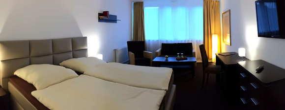 https://images.animod.de/img/2469-teaser-teaser-hotel-balmer-see-1440x560.jpg