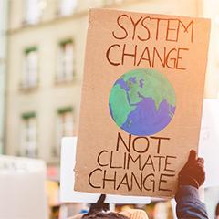 """""""System change - not climate change"""" - das ist nur eines der Titel von Plakaten, die während des Klimastreiks am 24. September zu sehen sein werden."""