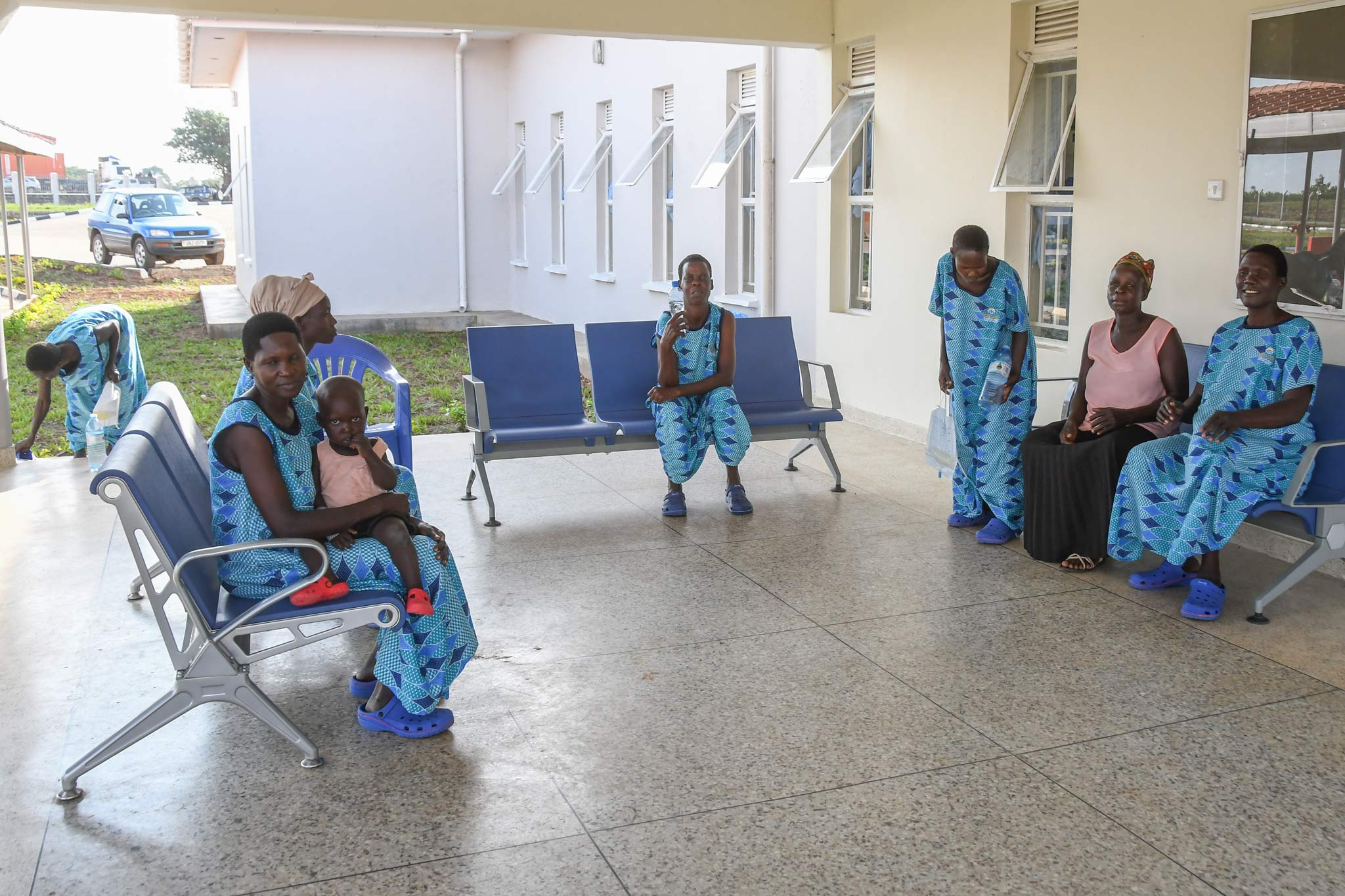 wartebereich fistula hospitla uganda