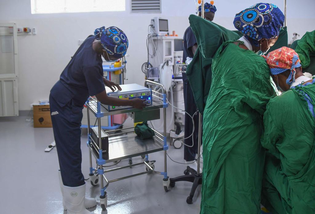 Erste Anwendung bei der Elektrochirurgie