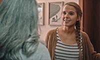 """Bildunterschrift: Szene aus dem Kurzfilm """"Mitarbeiterin des Monats"""" ©Projekt empCARE"""