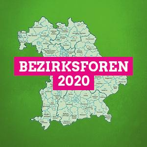 """Schriftzug """"Bezirksforen 2020"""", im Hintergrund eine Karte Bayerns"""