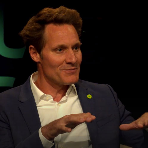 Fraktionschef Ludwig Hartmann im Fernsehstudio der Münchner Runde