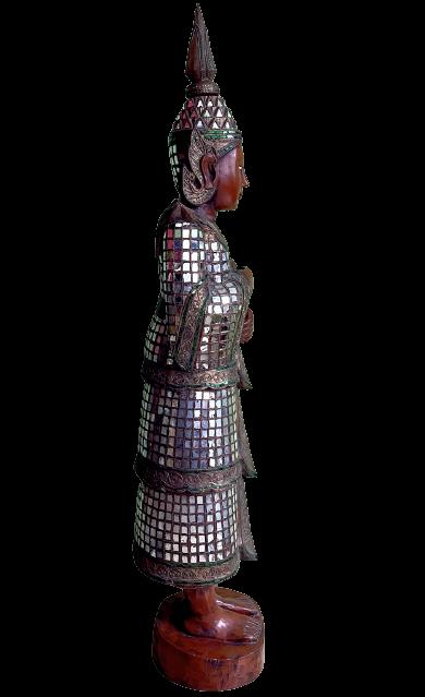 Teppanom Statue