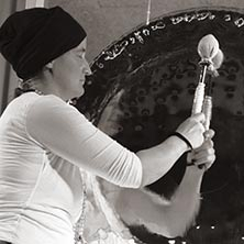 Devah White Sound Gong Ada