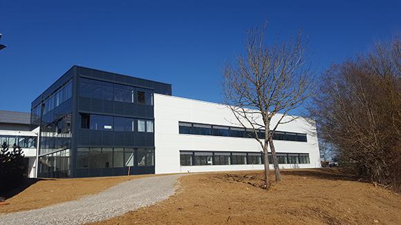 Neues Gebäude VS