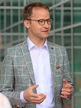 Dr. Karl-Peter Fritz
