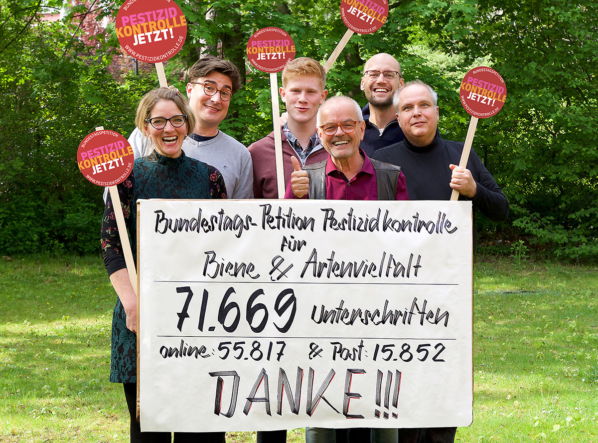 Kampagnenteam Petition Pestizidkontrolle v.l.n.r. Daniela Maul, Jan Hellberg, Jan Ostrop, Thomas Radetzki, Florian Amrhein, Bernd Rodekohr