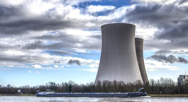 Kühltürme eines Atomkraftwerkes
