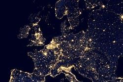 Luftbild: Europa bei Nacht