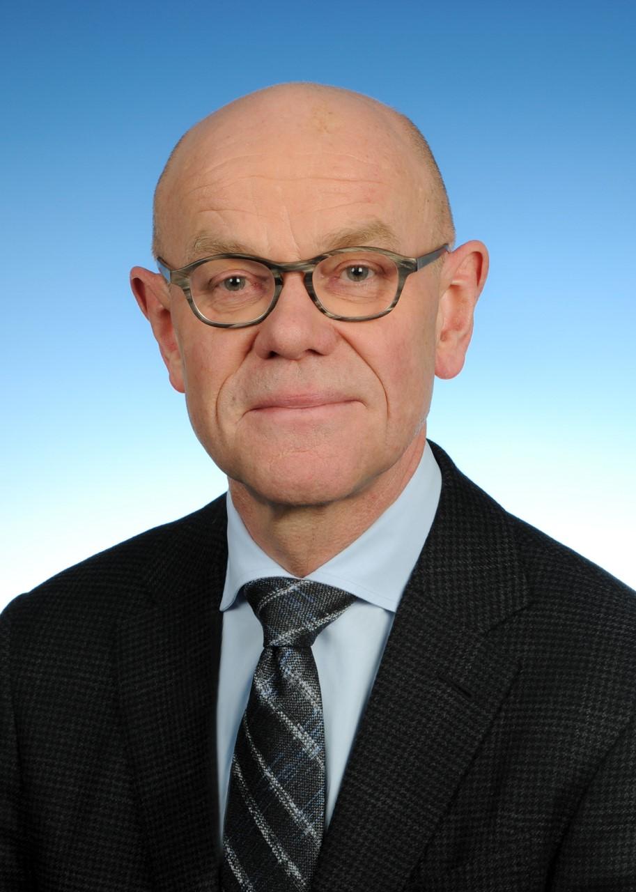 Dr. Thomas Steg
