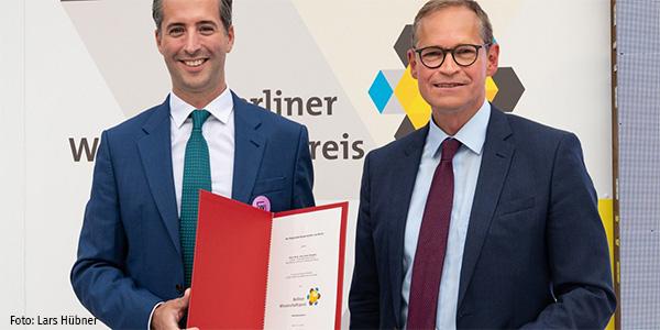 Anton Henssen erhält Berliner Wissenschaftspreis 2020 von Michael Müller