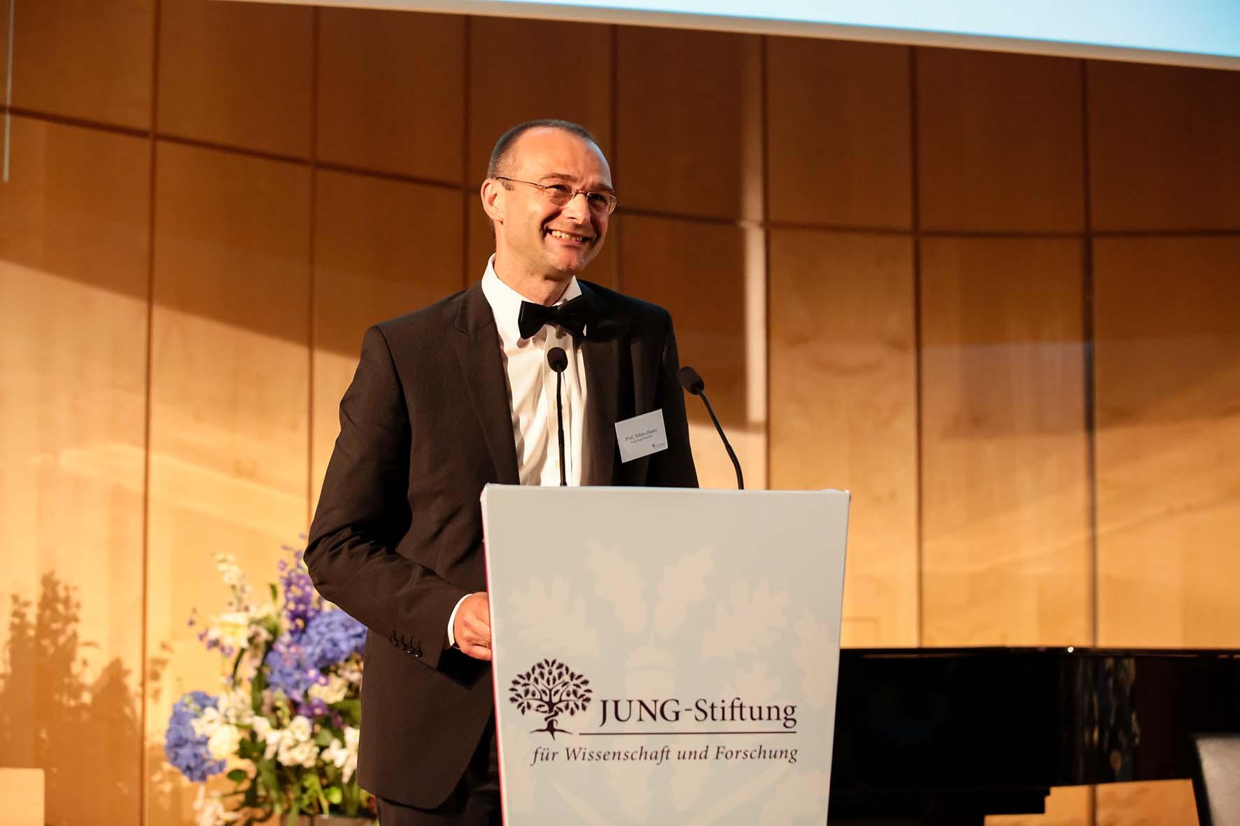 Professor Dr. Tobias Moser