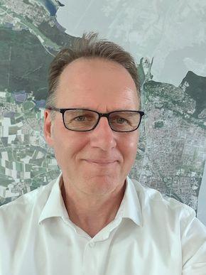 Portraitfoto von Herrn Lennemann