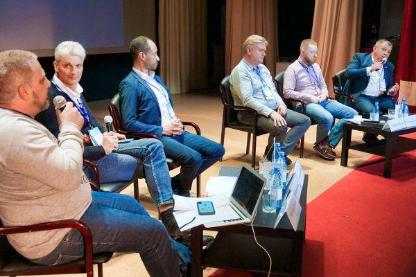 Arthur auf der Autotourismuskonferenz in Kargopol