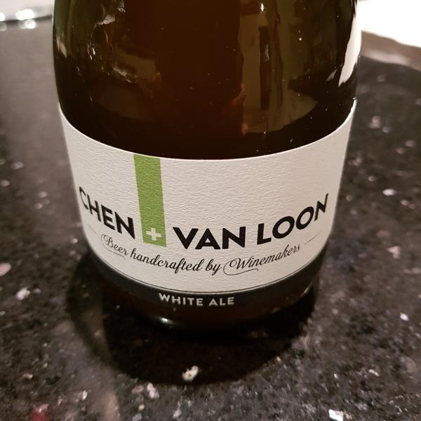 Flasche White Ale von Chen + Van Loon