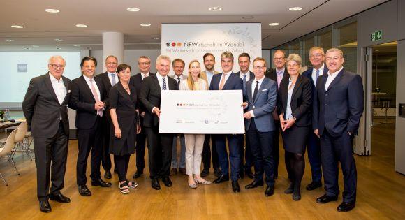 Jury-Sitzung Wettbewerb NRW (c) Anne Orthen.jpg