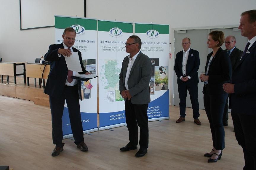 Minister Claussen und Preben Jensen