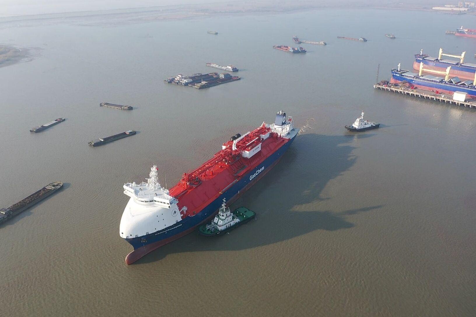 LPG-Tanker sticht in See