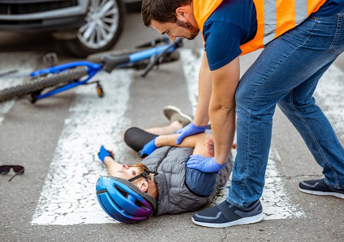 Ersthelfender an Unfallort