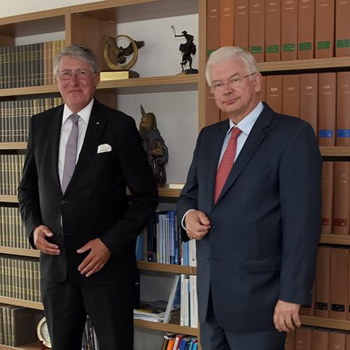 Roland Koch und Willi Rugen