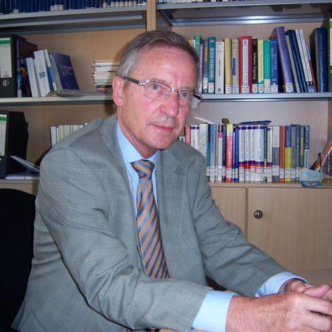 Juergen B. Donges